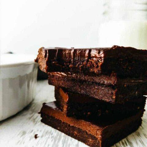 3 ingredient vegan fudge brownies, easy recipe, no flour, no eggs, dairy free