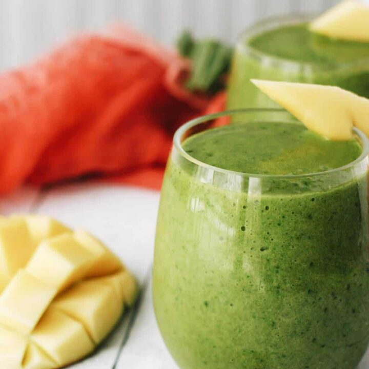 green smoothie with mangoes