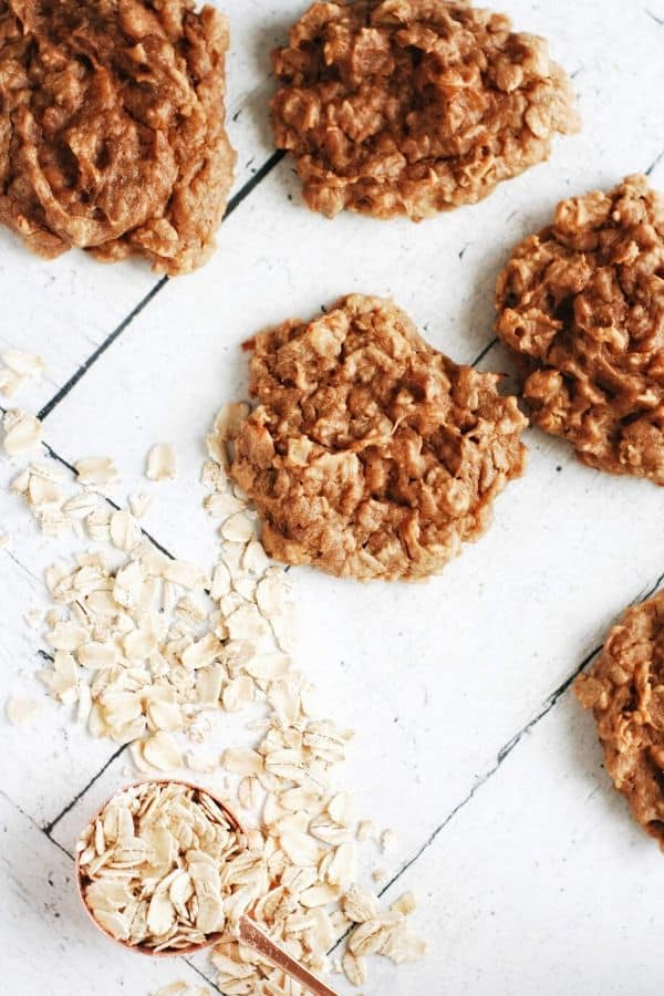 rolled oats next to cookies
